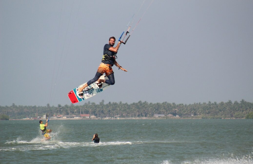 Learn how to jump in Kitesurfing